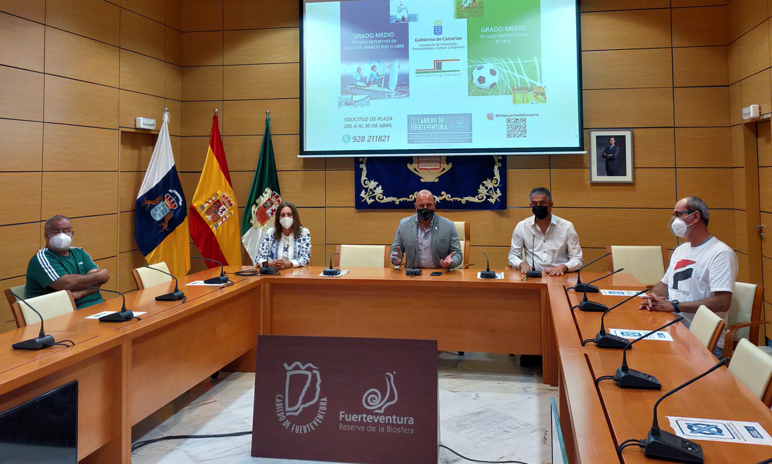 El Cabildo de Fuerteventura apuesta por la formación reglada en materia deportiva para favorecer oportunidades de empleabilidad en la isla
