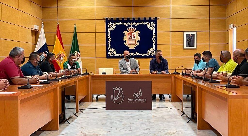 El Cabildo se compromete a dar máximo apoyo a la lucha canaria como 'bien de interés cultural que hay que cuidar y preservar'