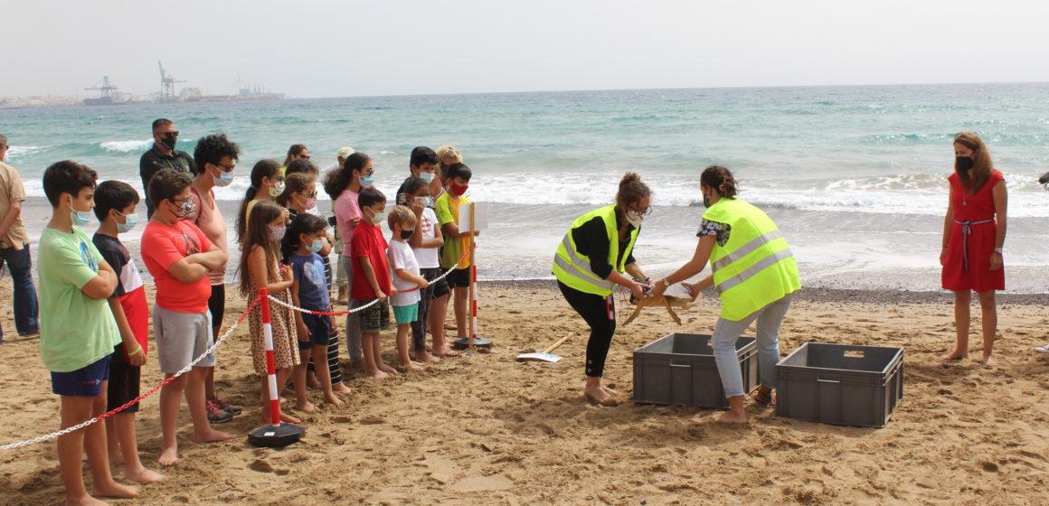 El Cabildo presenta 'Conocer y Proteger', un programa de concienciación ambiental que recupera la actividad con escolares